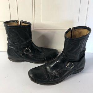Frye Moro boots black buckle leather